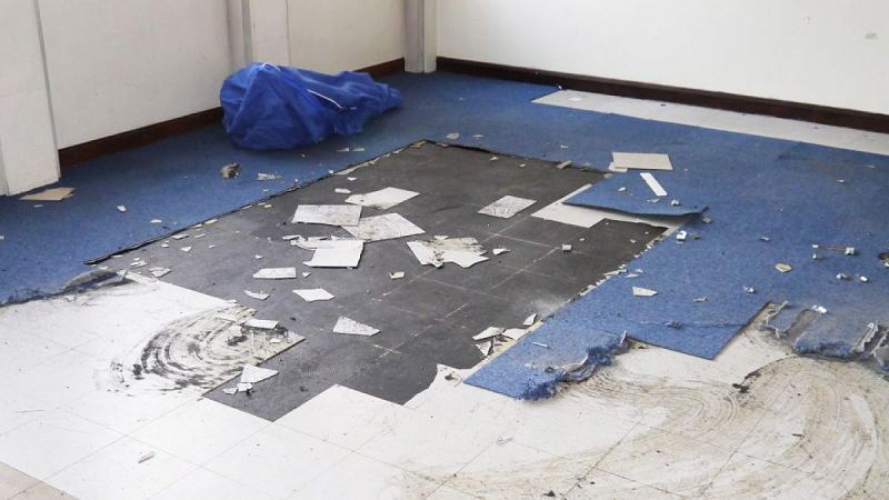 How to Remove Asbestos Tiles