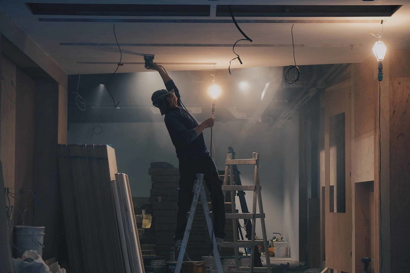 How to Remove Ceiling Tiles With Asbestos