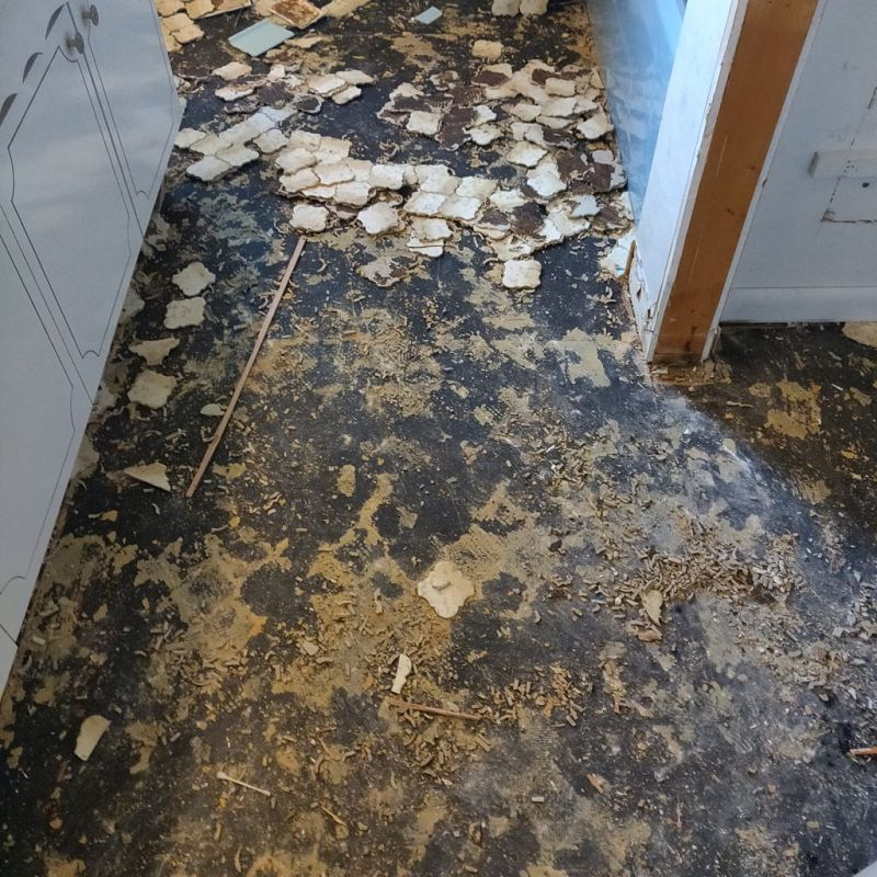 How to Remove Tile With Asbestos
