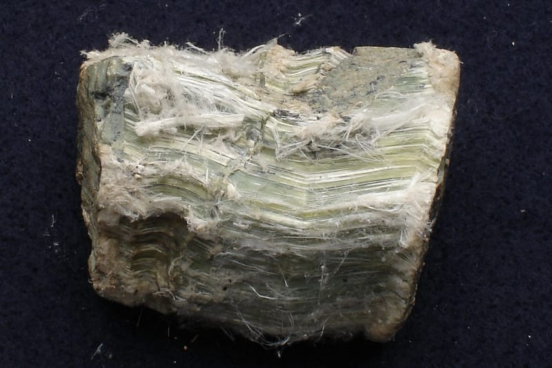 Does 2% Chrysotile Require Abatement